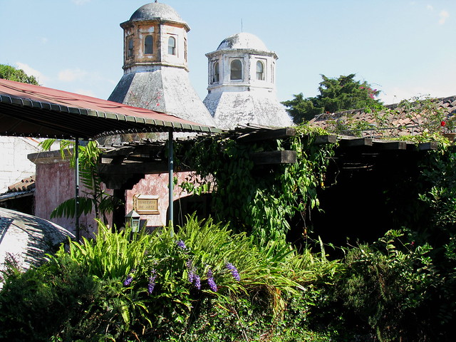 Terraza y jard n en el mes n panza verde en antigua for Bungalows el jardin retalhuleu guatemala