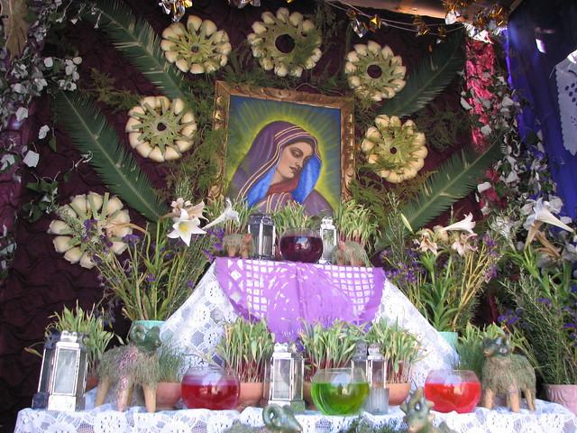 Viernes de Dolores Altar