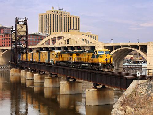 bridge train landscape saintpaul freighttrain railbox cnw cnw8646 cnw8701 mprss robertstreetliftbridge