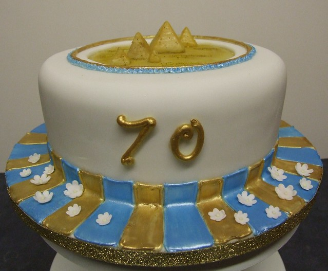 Egyptian Birthday Cakes http://www.flickr.com/photos/alixs_cakes/3254440859/