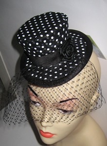 Ravelry: Crochet Mini top Hat pattern by April Hubbard