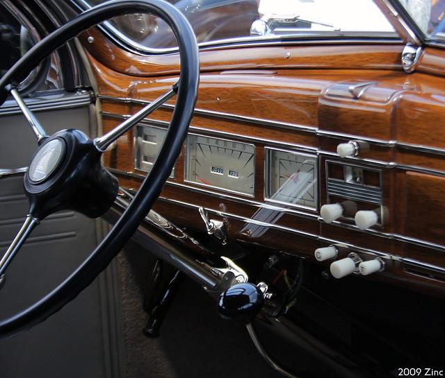 1938 Lincoln K V-12 LeBaron Convertible Sedan - dash