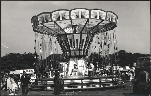 Swing ride - Hoppings