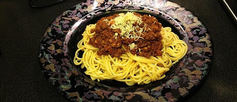 Спагетти Болоньезе, как их готовит Готовцев