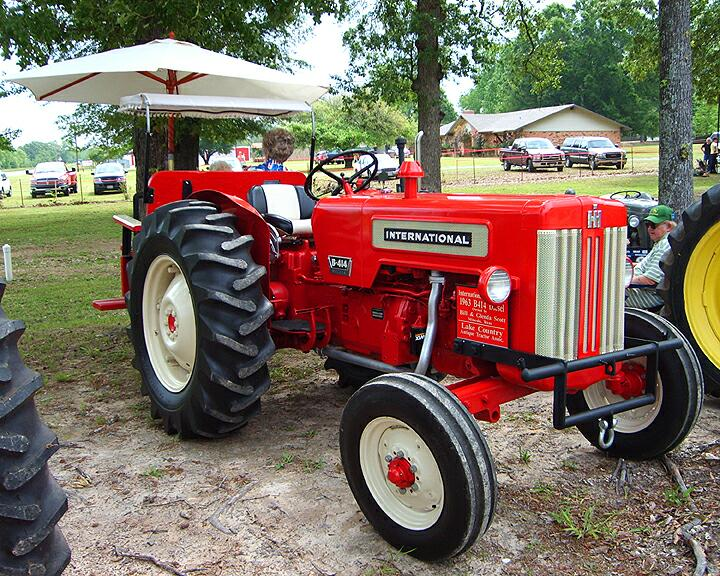 International B414 Parts : International b diesel restored antique tractor