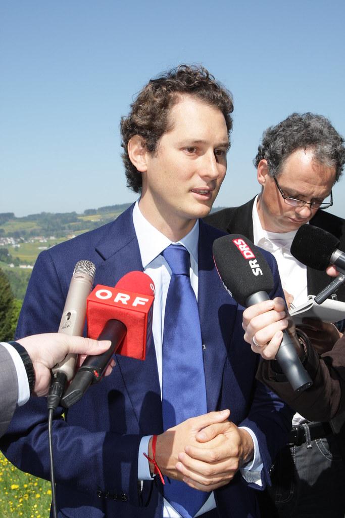 Ultima Assemblea della Fiat a Torino: fusione con Chrysler e sede fiscale in Gran Bretagna