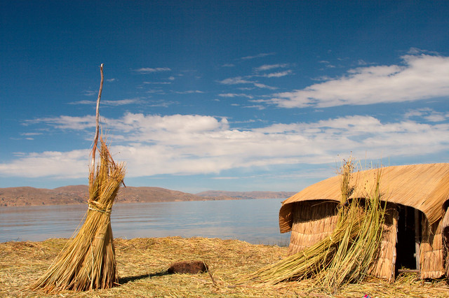 Islas flotantes de los uros. Lago Titicaca. Perú.