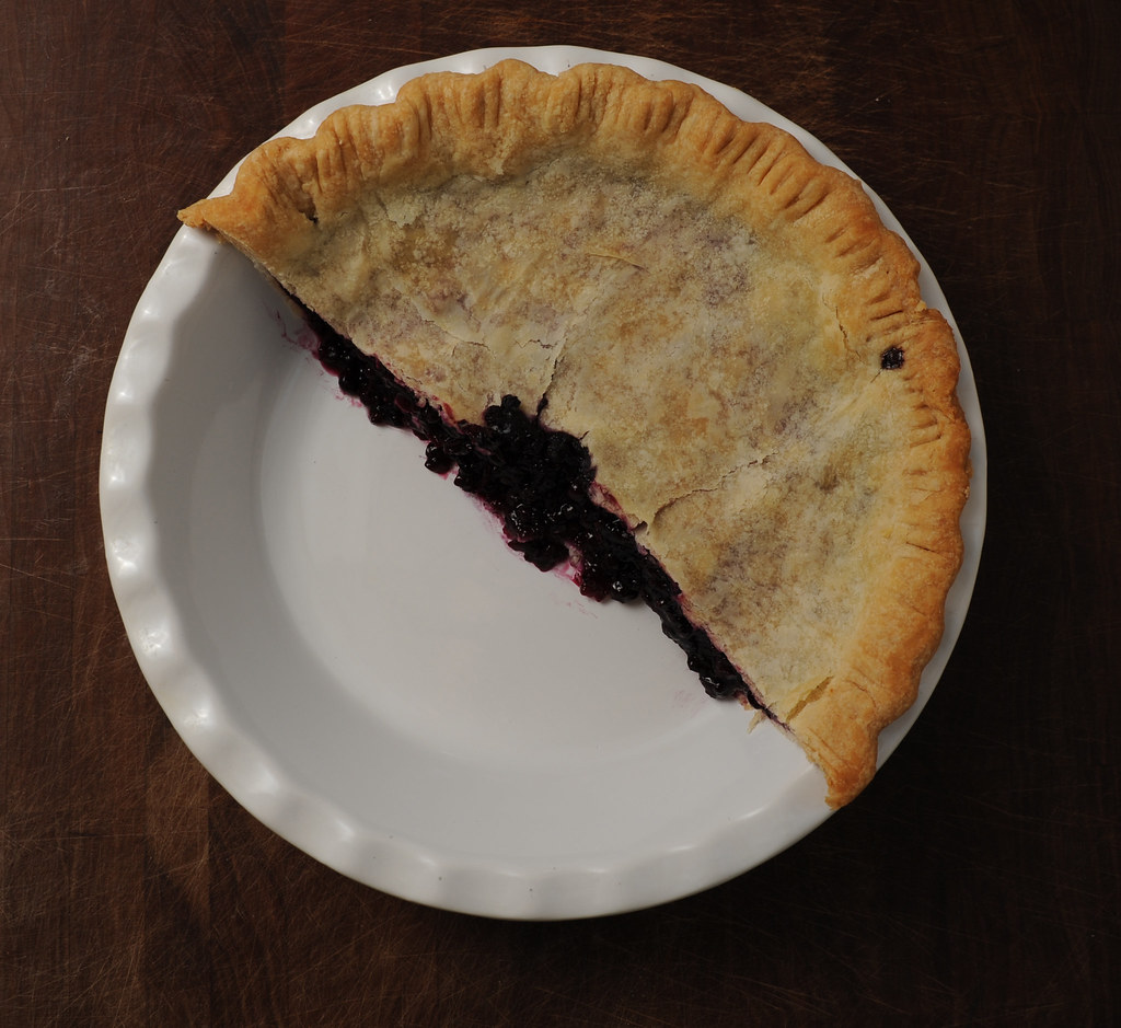 Blueberry pie, cut (photo by Paul)