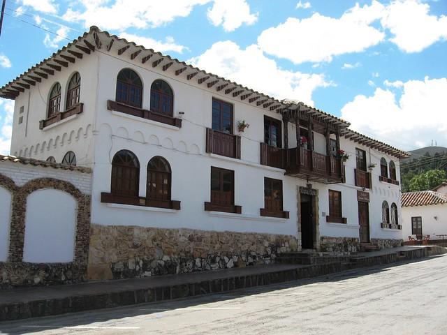 Casa colonial de tibasosa boyac colombia flickr for Casa colombia