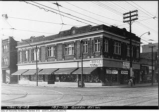137-139 Queen Street West