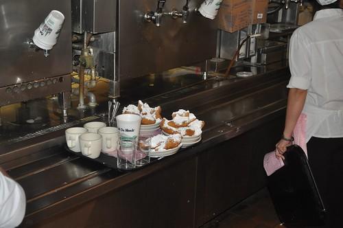 Café du Monde, NOLA: Home of the beignet