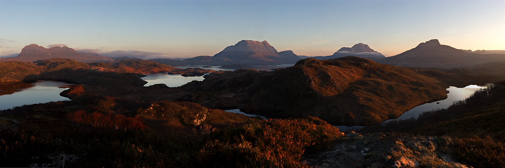 Inverpolly Panorama - Suilven, Cul Mor, Cul Beag and Stac Pollaidh. by freeskiing