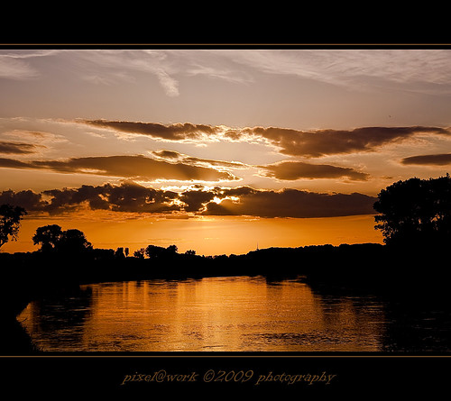 trees sunset sun nature photoshop canon river germany eos yahoo google flickr raw image © adobe weser homeland lightroom copyrighted lowersaxony rinteln pixelwork 500px canoneos50d sigma1770mmf2845dchsm thelightpainterssociety pixelwork©09photography oliverhoell glowinthewestaftersunset theacademytreealley allphotoscopyrighted