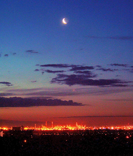 morning blue red moon canada color colour green industry sunrise dawn industrial edmonton ab alberta strathcona refinery 2009 2000s canadagood