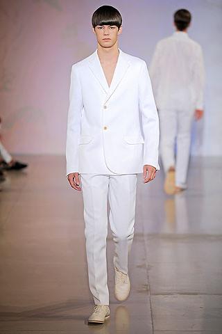 Jil Sander Fall 2017 Ready-to-Wear Fashion Show | 스타일, 패션 ... | 480x320