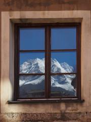 Das Fenster zu den Bergen