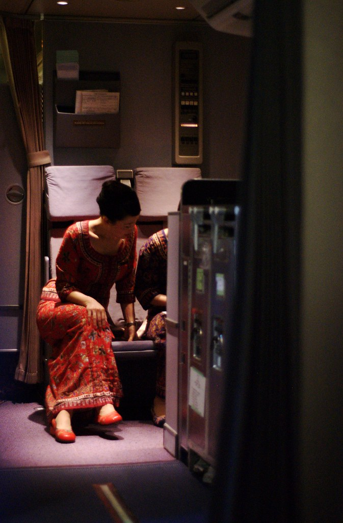 singapore airlines flight attendants | known popularly as ...