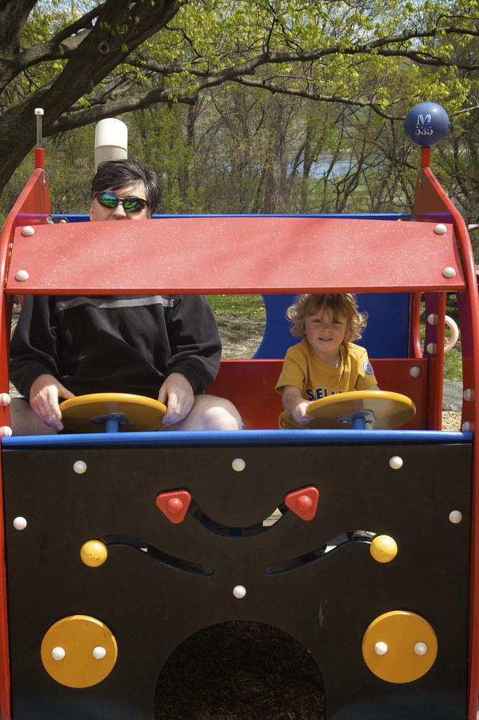 Mark & Lorenz in Playground Car