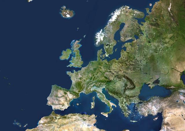 EUROPE DES 25 PAYS MEMBRES VUE PAR SATELLITE, COMMUNAUTE EUROPEENNE