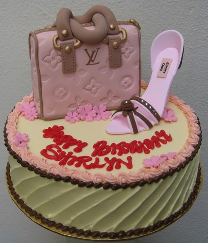 Shoe Birthday Cakes http://www.flickr.com/photos/artisancakes/3628493523/