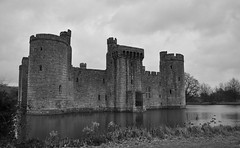 Bodiam Castle  by ShaneKtUk