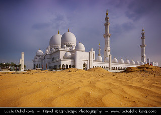 United Arab Emirates - Abu Dhabi - Sheikh Zayed Bin Sultan Al Nahyan Mosque