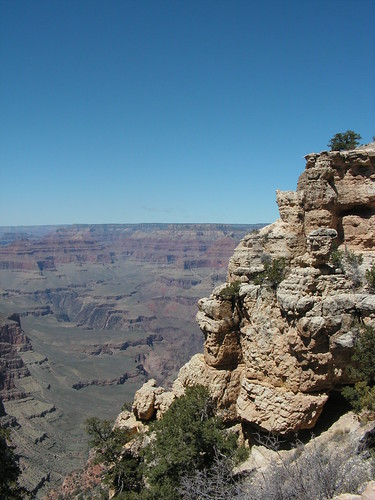 Wide scenes with blue skies at Grand Canyon south rim, Arizona