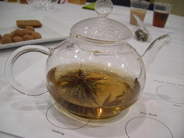 tetera de cristal - flor de té - la cambra dels vins - castellón