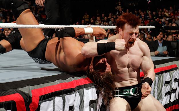 Triple H vs Sheamus - Unexpected turn 4557886924_fe8acc6269_z