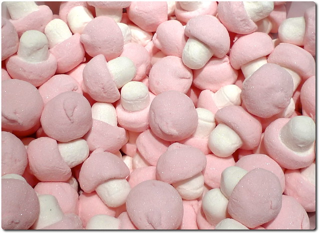 Pink Marshmallow Hearts With Chocolate Filling Snack Cakes