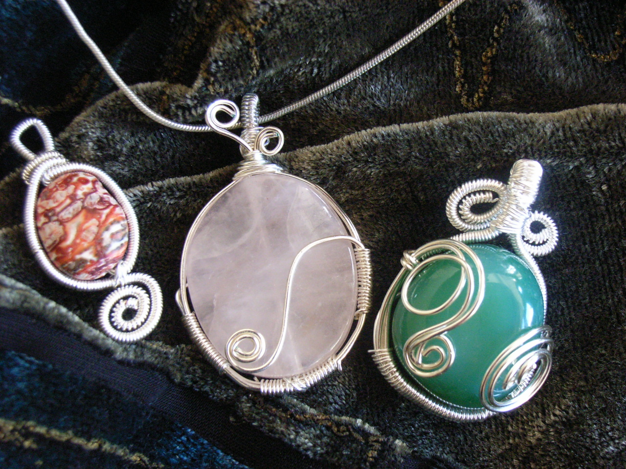 Wire wrapped pendants easy a photo on flickriver wire wrapped pendants easy aloadofball Images