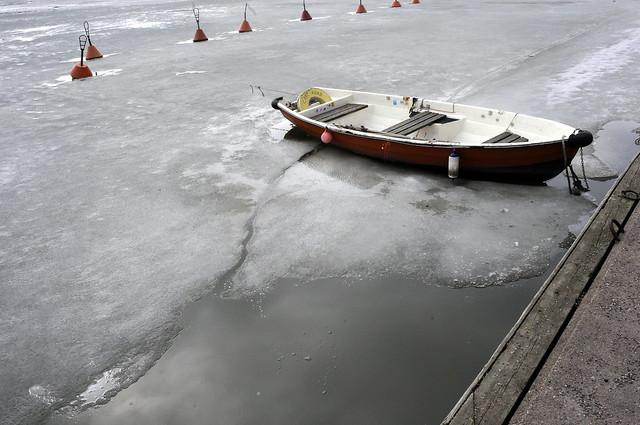 Barcas, boyas ...  nada se mueve