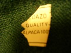 Sun, 08/02/2009 - 20:35 - アルパカ100%のセーターのタグ. 昔、クスコのペダゾという店で買った。US$56。