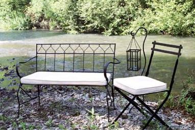 tar outdoor furniture
