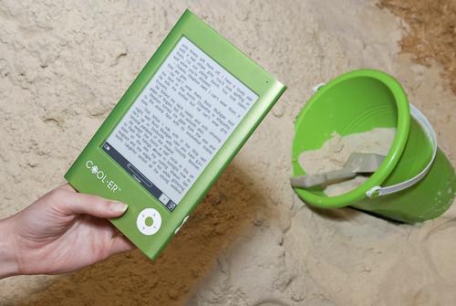 COOL-ER e-reader