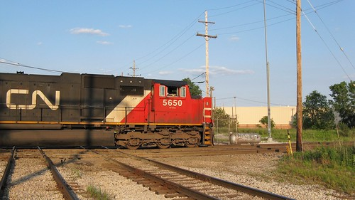Southbound Canadian National heavy transfer freight train passing through Hawthorne Junction. Chicago / Cicero Illinois. June 2008. by Eddie from Chicago