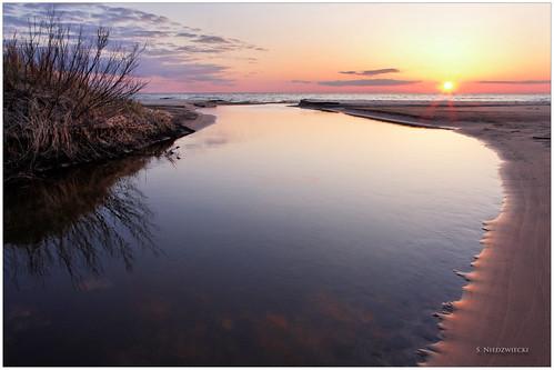 sunset sky lake beach water reflections shoreline lakemichigan greatlakes muskegon whitelake northmuskegon meinertcountypark stacyniedzwiecki stacycossolini puremichigan littleflowercreek
