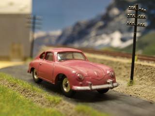 Dinky Toys England.Porsche 356A