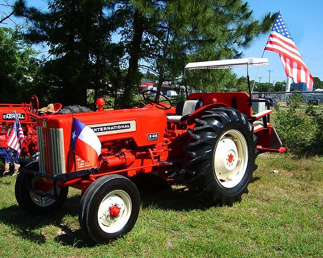 Restored Antique Tractors : Flickr photo sharing