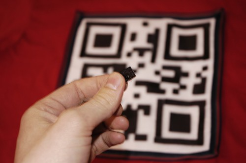 Reconfigurable QR code T-shirt with velcro