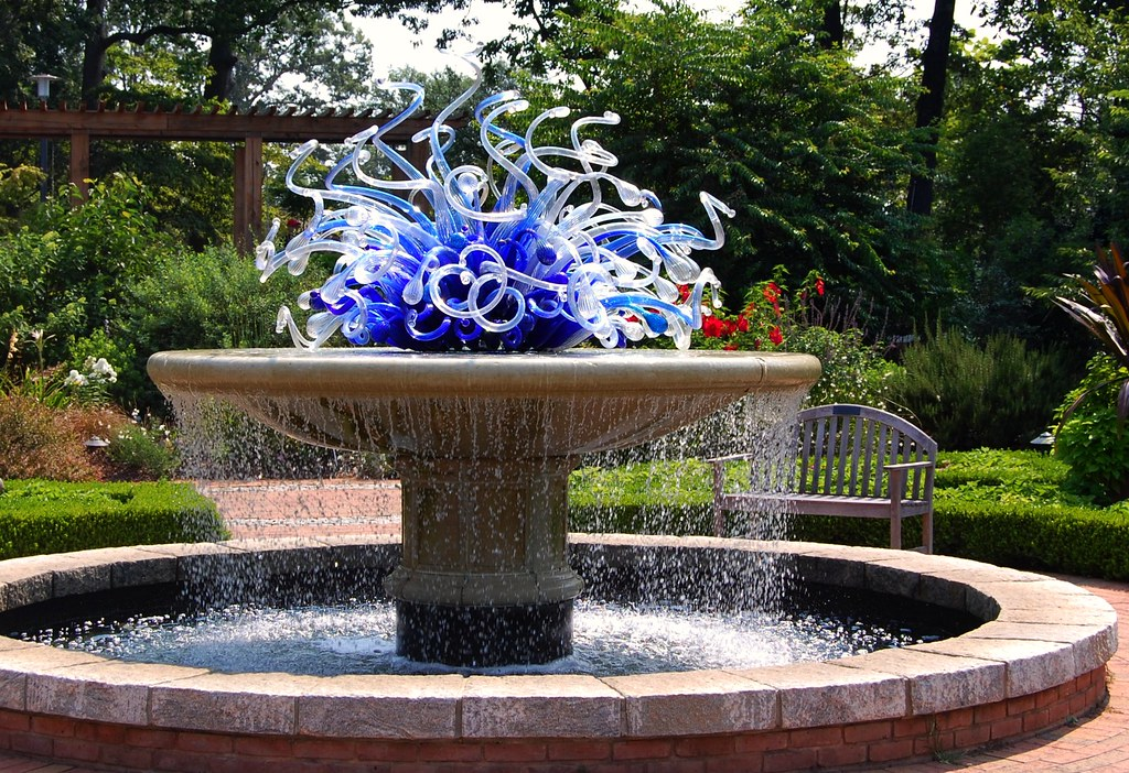 Dale Chihuly Meets Henry Moore At The Atlanta Botanical Garden Flickr Photo Sharing
