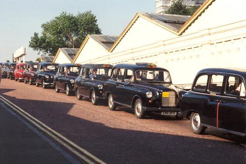 edinburgh taxi photo