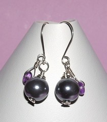 Gray pearl and amethyst