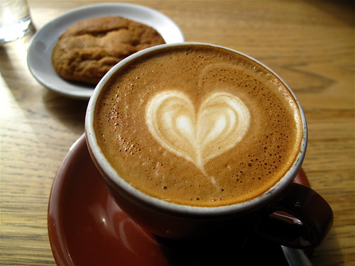 Blue Bottle Tuesday: Cappuccino and a cookie