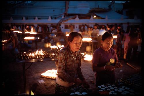 leica nepal 35mm buddhist kodakportra400vc summicron m2 leicam2 butterlamps tibetanbuddhist boudhnath 35mmsummicron kingofbokeh preasphiv 35mmsummicronivpreasph leica35mmsummicronf20iv