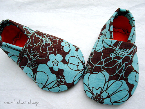 Modern Flowers Baby Shoes Booties Slippers Crib Shoes