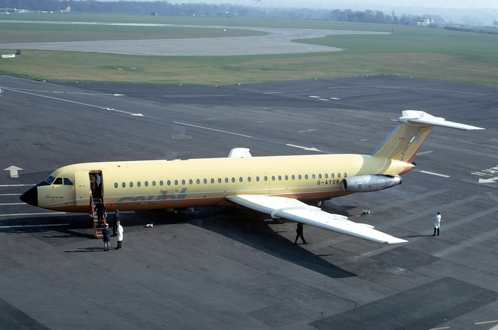 BAC 1-11: 232 G-AYOR BAC 1-11 518FG Court Line Newcastle Airport