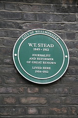 Photo of W. T. Stead green plaque