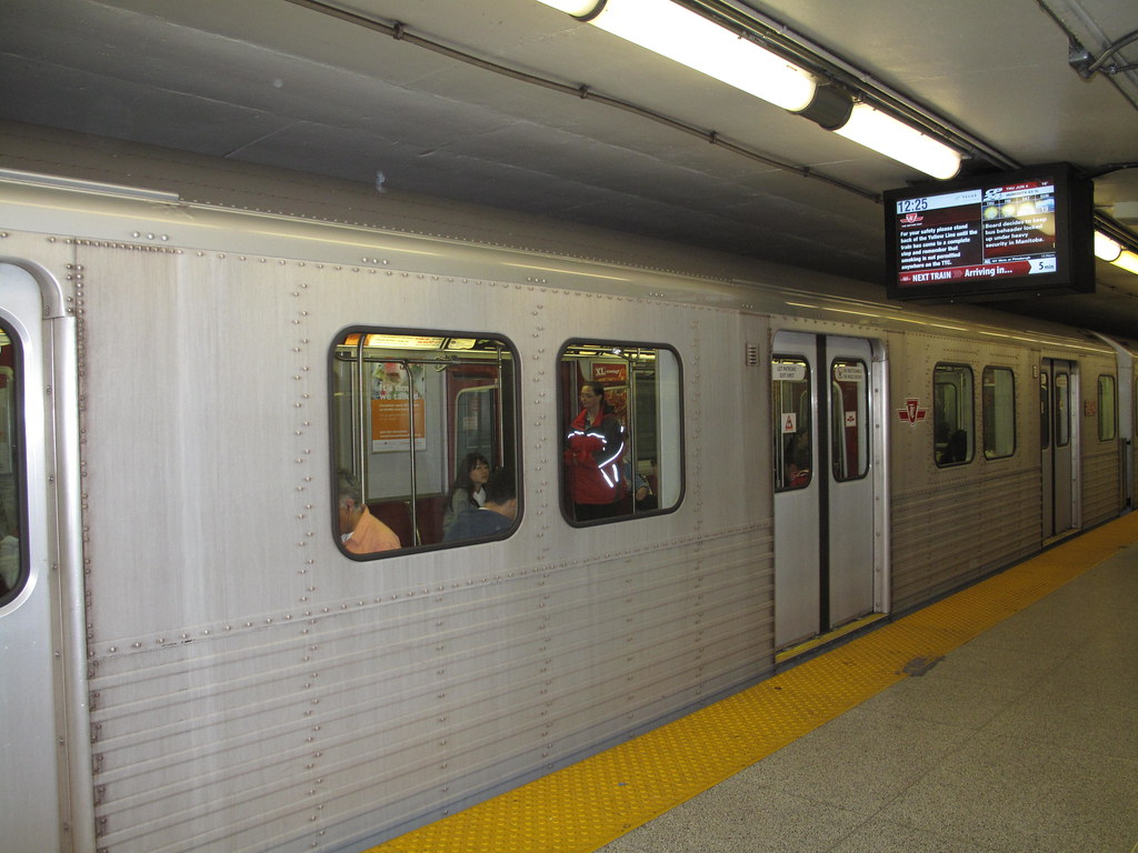 Go Living In Toronto Subway