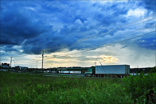 canada canon eos is cloudy nb newbrunswick sj trucks usm dslr midland arriving saintjohn f4l 24105mm 50d sjphoto nbphoto cans2s bmca
